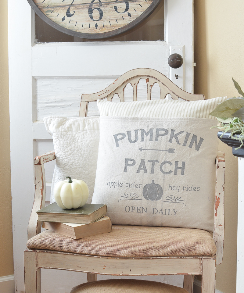 simple ways to decorate for fall on a budget little vintage nest. Black Bedroom Furniture Sets. Home Design Ideas