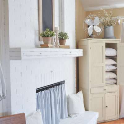 Farmhouse Style Fireplace Mantel Makeover