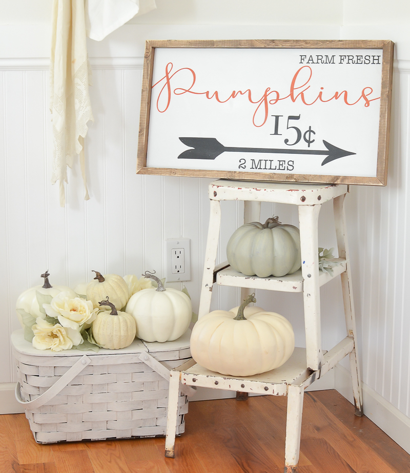 Quick Tips to Transition to Fall Decor. Easy fall decor ideas for your home! #falldecor #falldecorating #littlevintagenest