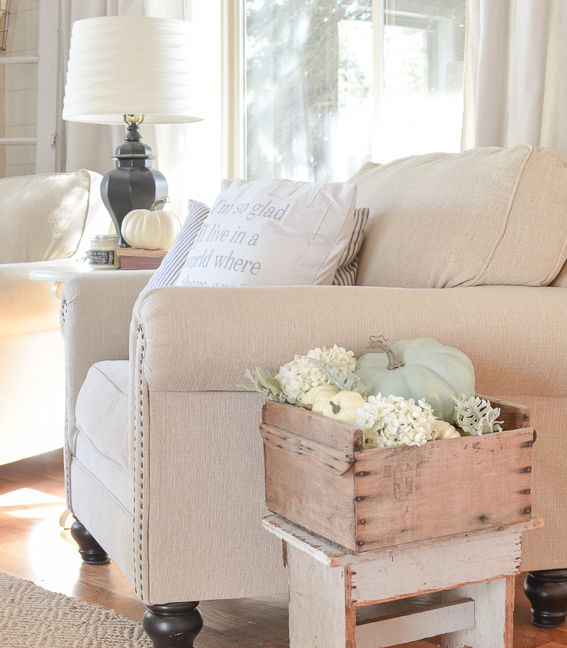 farmhouse style fall decor in the front room