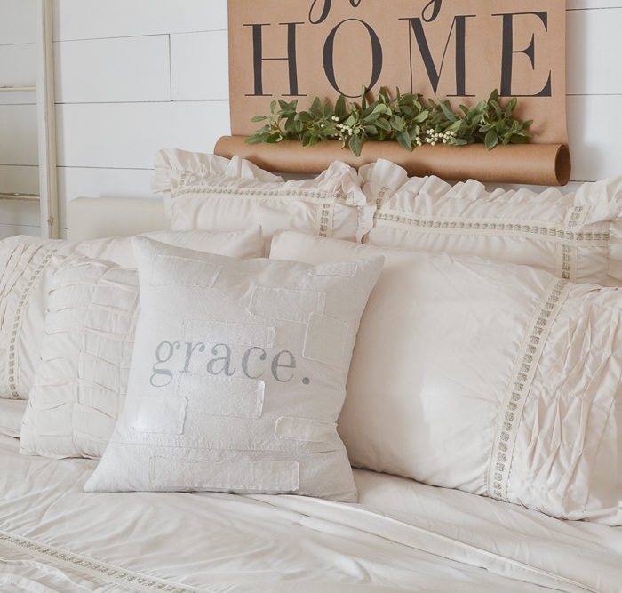 Gift guide for the home decor lover.
