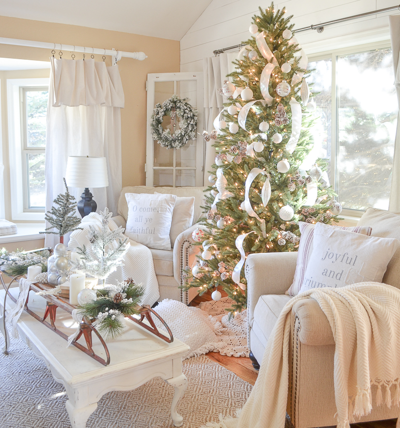 cozy farmhouse christmas in the front room 15 - Neutral Christmas Decor
