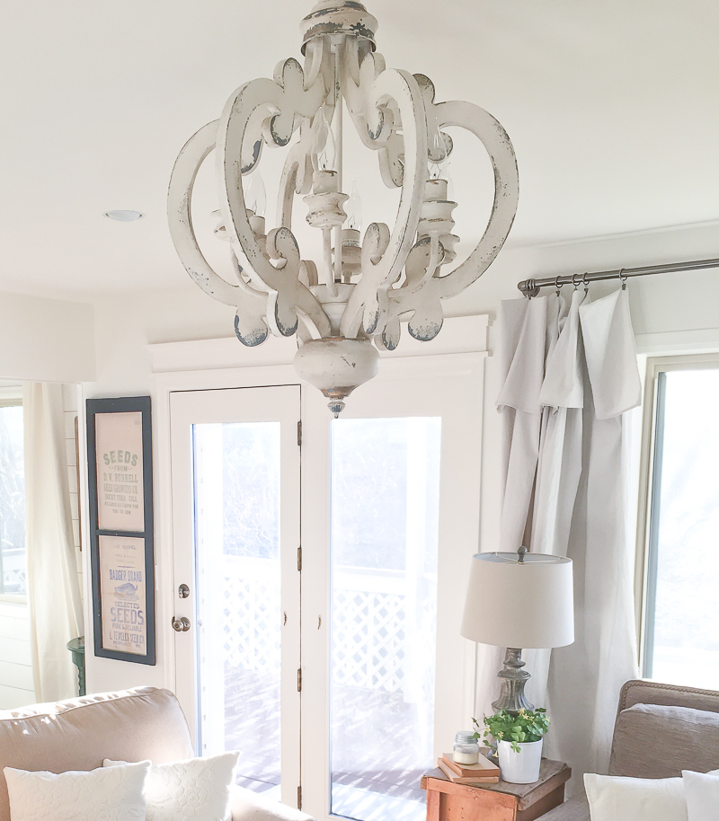 Merveilleux Amazing Farmhouse Style Living Room Decor And Wood Chandeliers
