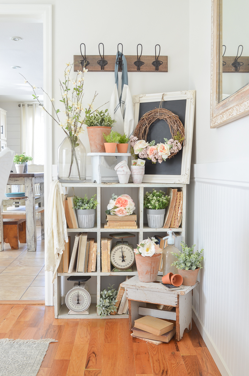 Happy Spring Farmhouse Style Dining Room. Spring decor ideas!