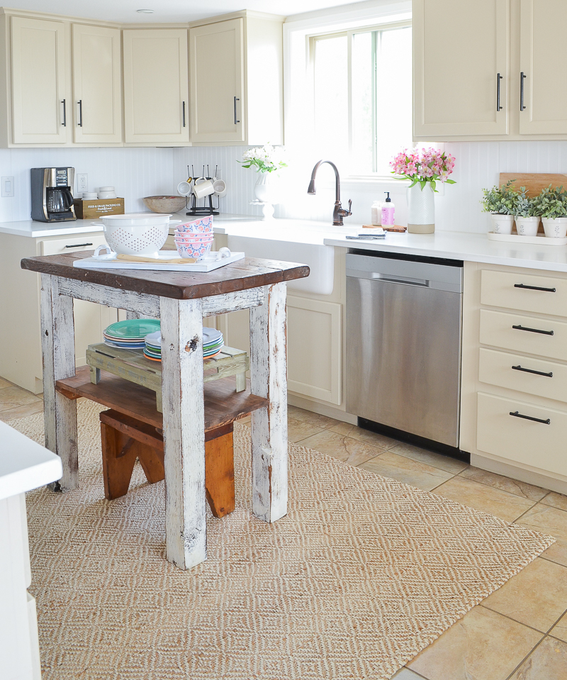 Farmhouse Style Kitchen Island with Small Shelf