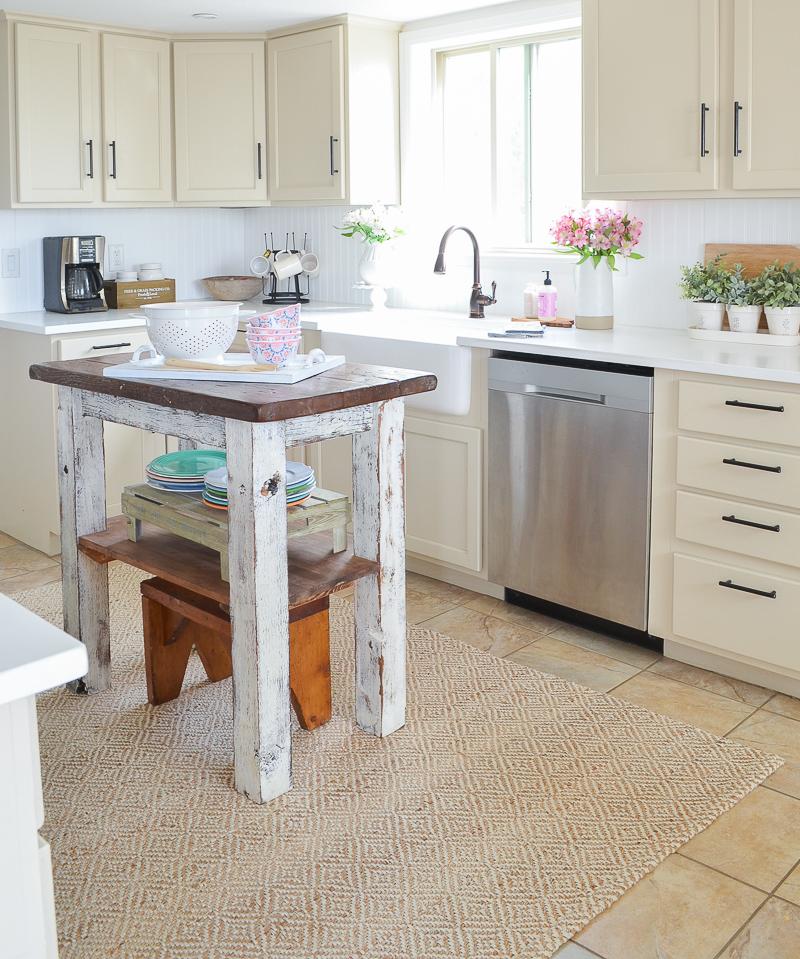 Farmhouse Style Kitchen Island with Small Shelf
