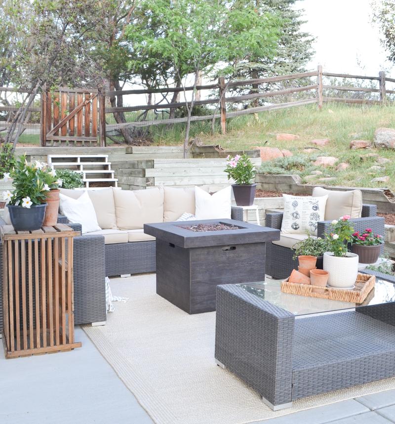 Cozy Farmhouse Style Summer Patio Transformation