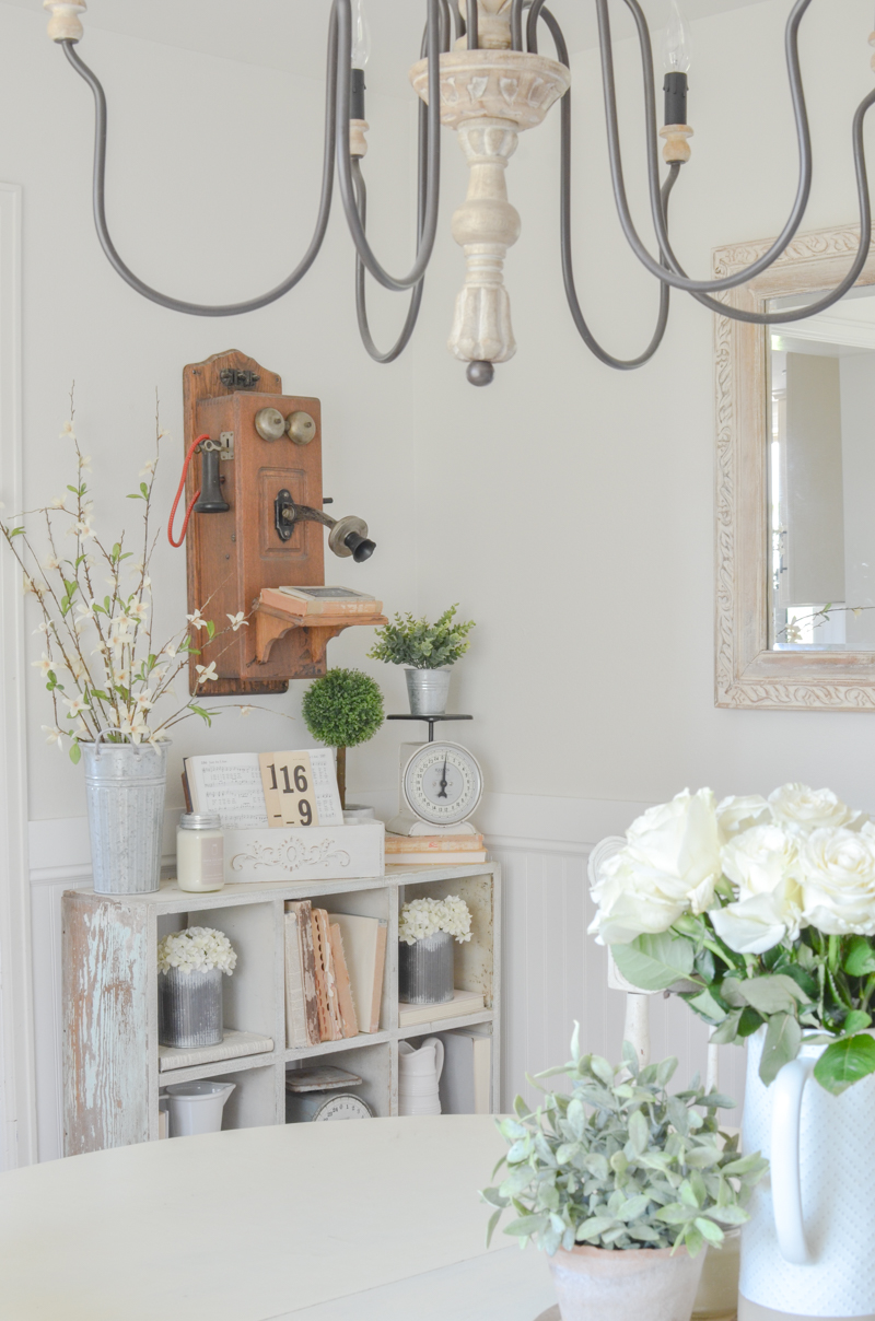 Simple Farmhouse Style Dining Room and Vintage Decor
