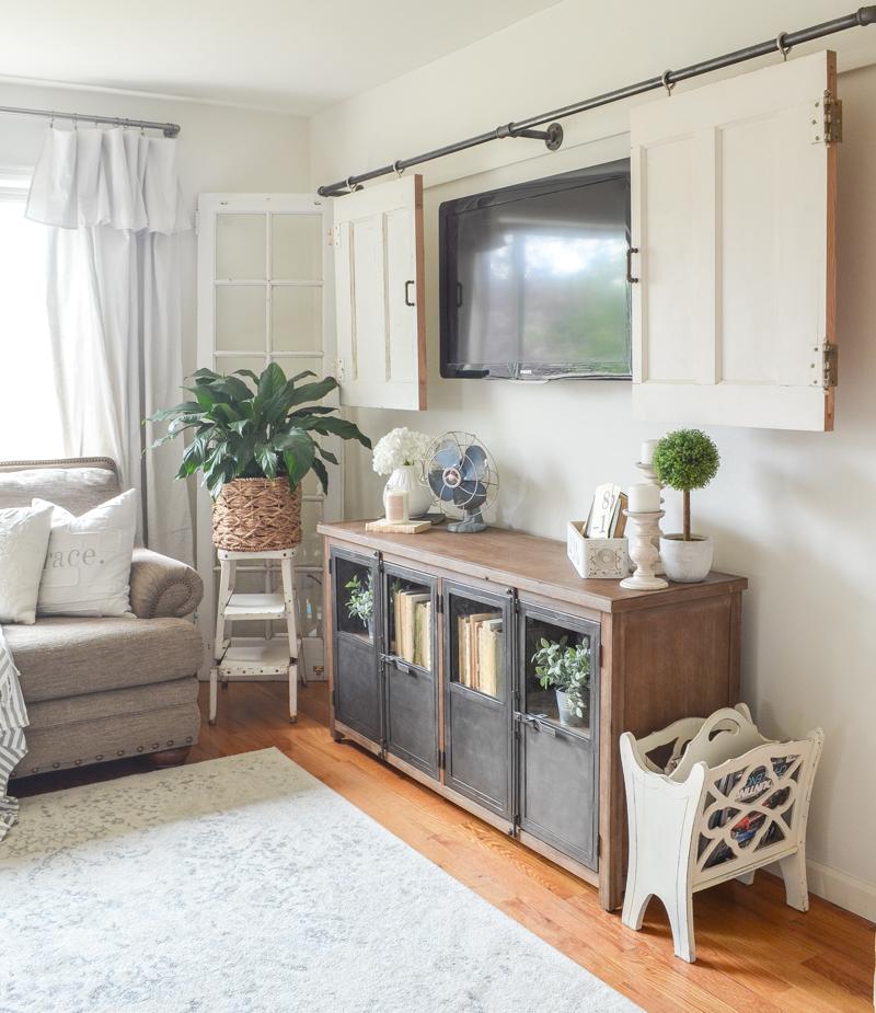 Schrank Im Wohnzimmer: New Cabinet In The Living Room